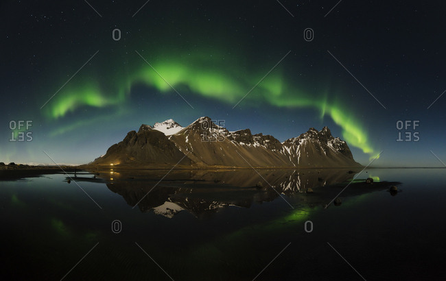 Iceland- Stokksnes- Northen lights over Vestrahorn Mountains