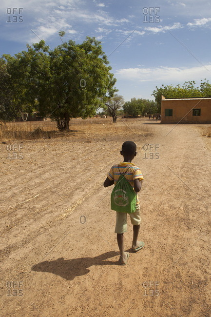 Burkina Faso, 10-year-old child going to the school, the village of Ponsom Tenga is located 20 kilometers from Ouagadougou