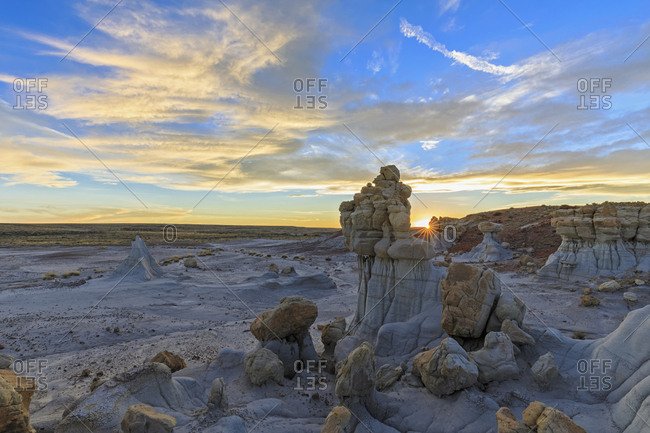 USA- New Mexico- San Juan Basin- Valley of Dreams- Badlands- Ah-shi-sle-pah Wash- sandstone rock formation- hoodoos at dawn