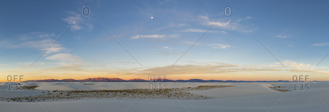 USA- New Mexico- Chihuahua Desert- White Sands National Monument- panoramic view