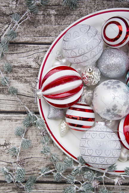 Christmas baubles on plate - Offset