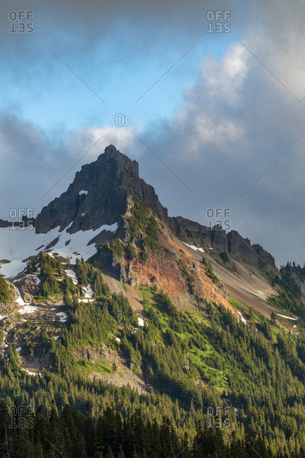 Dramatic light on the rugged Tatoosh Range near Mount Rainier, part of the Cascade Range, Pacific Northwest region, Oregon, United States of America, North America