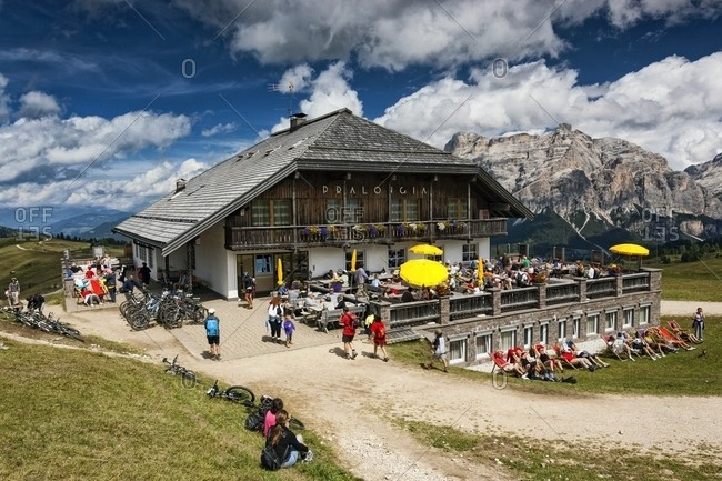 Tourists at Pralongia hut - Offset