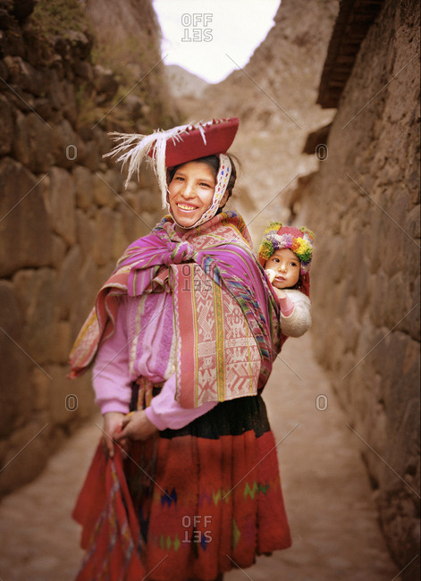 Peruvian mother and child in traditional clothing