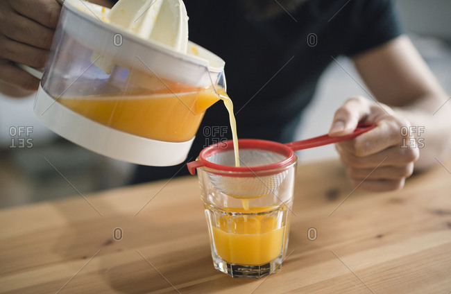 Filtering fresh orange juice