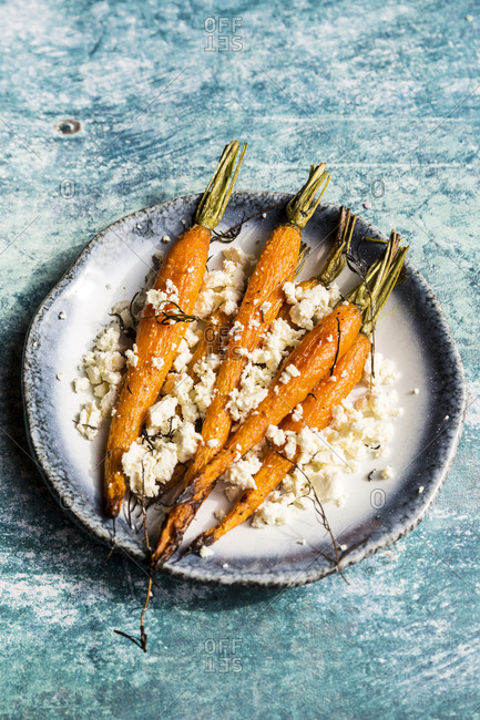Baked carrots with rosemary and feta