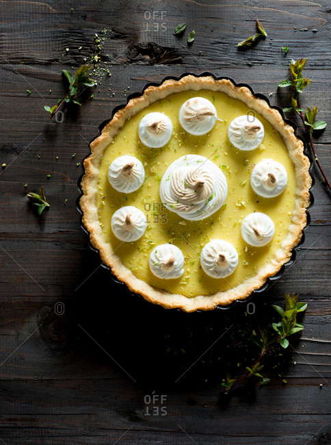 Key lime pie with toasted meringue