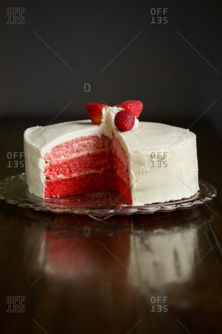 Cake with layers of red hues