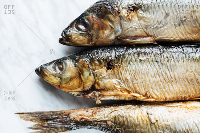 Heads and tail of whole fish