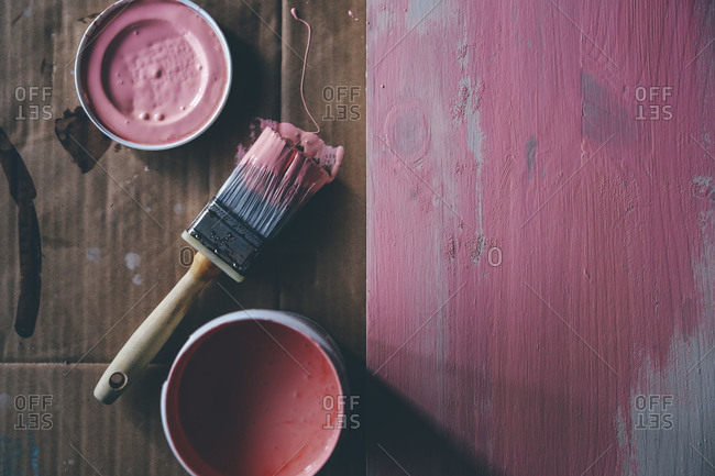 Painting a wooden board pink