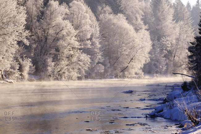 Germany- Bavaria- Geretsried- Isar- winter morning