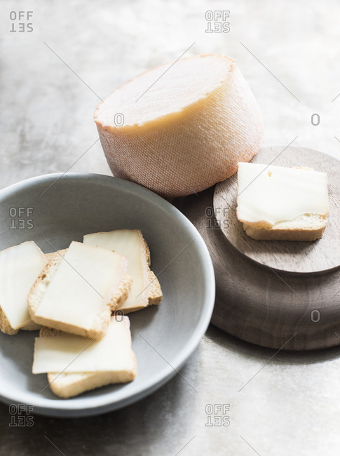 Mini toasts with semi- soft cheese