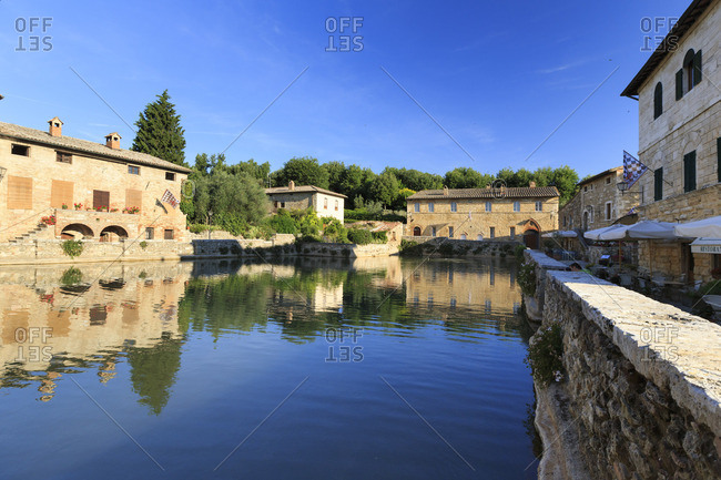 Italy, Tuscany, Orcia Valley, Bagno Vignoni, historic thermal bath in the center of the village