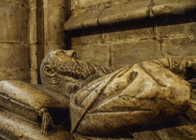 Portugal, Lisbon, Se Cathedral Ambulatory, Gothic tomb of knight Lopo Fernandes Pacheco.