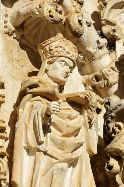 Sculptures at the main entrance of the Charola. With its origin in the 12th century, it was the Templar Knight\'s oratorium within the Convent of Christ