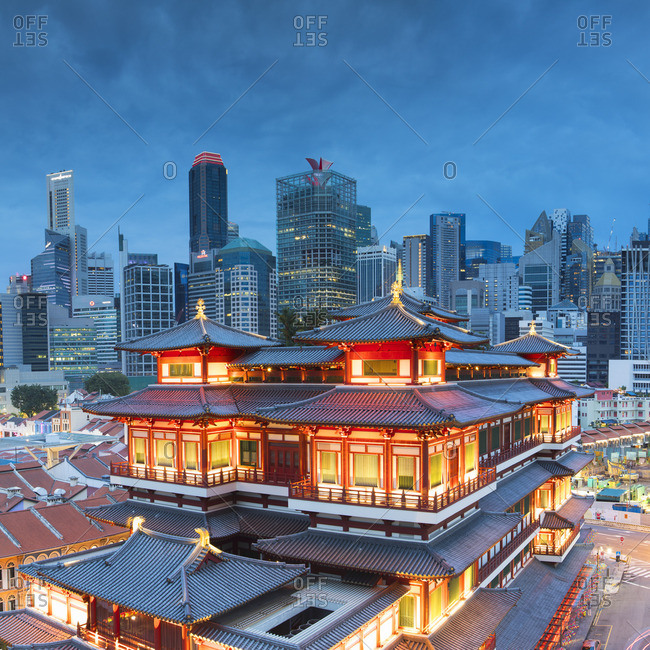 Singapore - January 28, 2017: Buddha Tooth Relic Temple and skyscrapers, Chinatown, Singapore