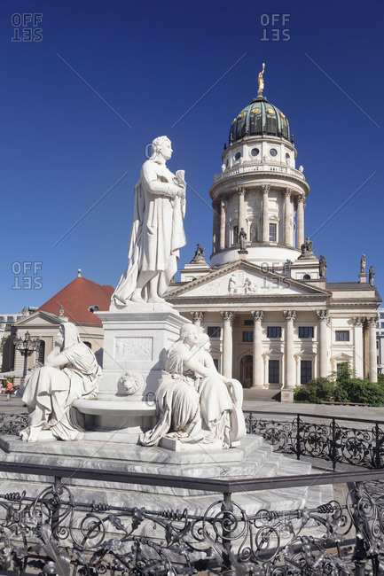 Franzoesischer Dom (French Cathedral), Schiller memorial, Gendarmenmarkt, Mitte, Berlin, Germany, Europe