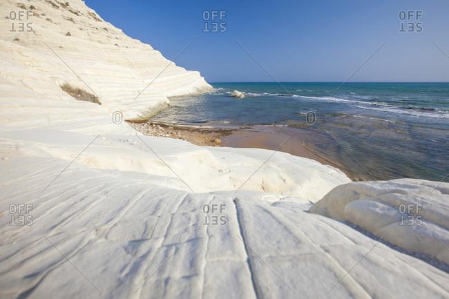 White cliffs known as Scala dei Turchi frame the turquoise sea, Porto Empedocle, Province of Agrigento, Sicily, Italy, Mediterranean, Europe