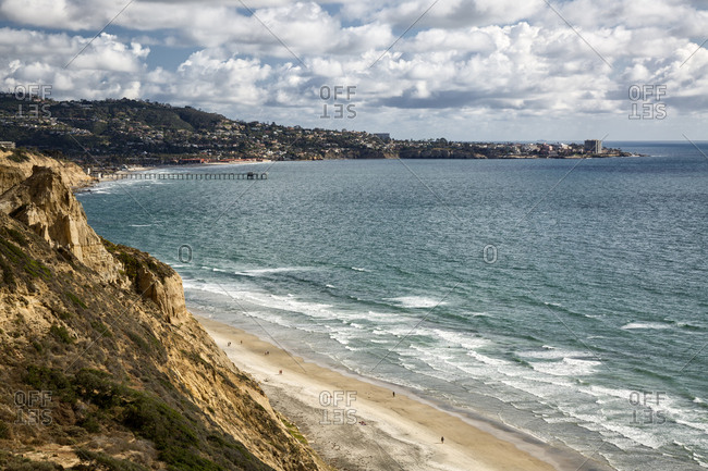 USA, California, La Jolla, Clouds and sun over Black's Beach and La Jolla Shores