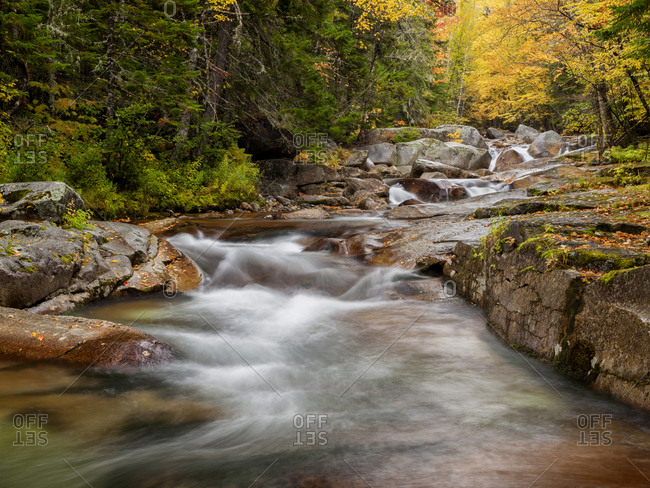 USA, New Hampshire, White Mountains, Fall at Jefferson Brook