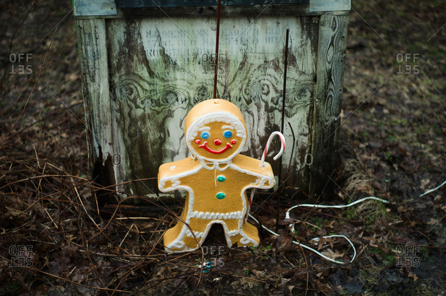Gingerbread man holiday decoration - Offset