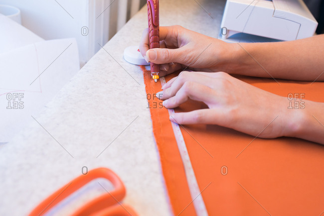 Hand marking cloth for sewing
