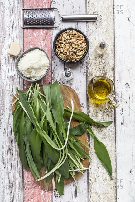 Ingredients of ramson pesto