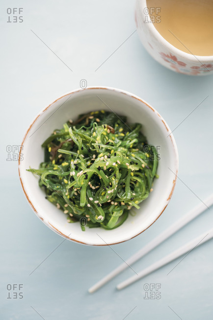 Wakame seaweed salad with sesame and green tea