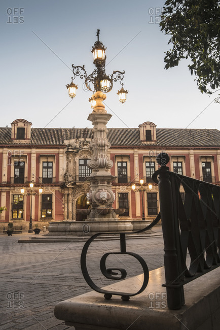 Spain, Seville, Plaza Virgin De Los Reyes, Town square at dusk