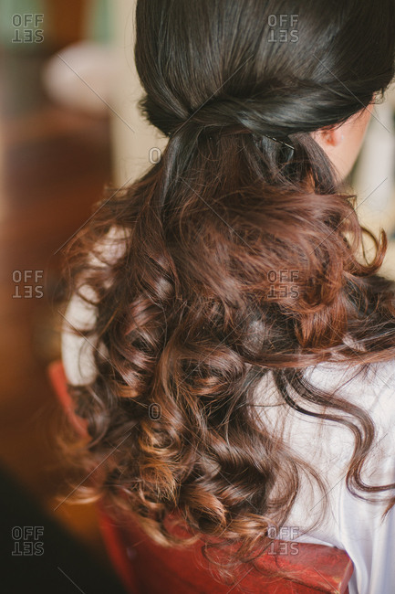 Bride with curls in her hair