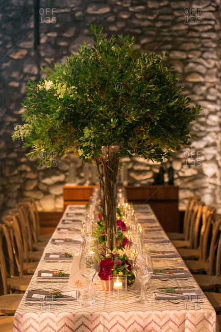 Wedding table with large centerpiece