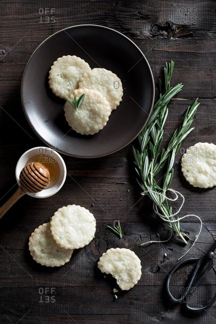 Rosemary Honey Shortbread Cookies