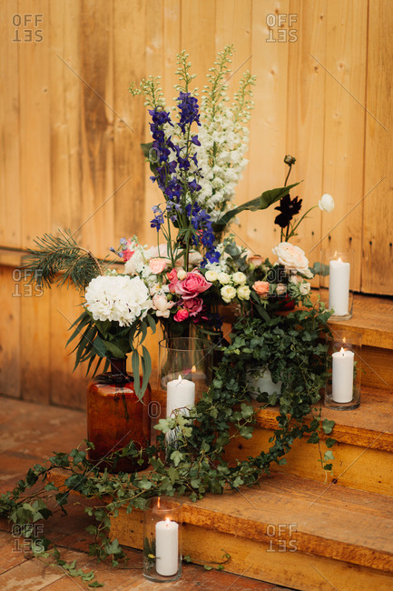 Wedding d�cor with flowers and candles