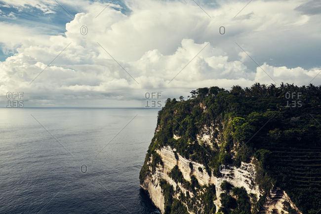 Scenic cliff over Indian ocean