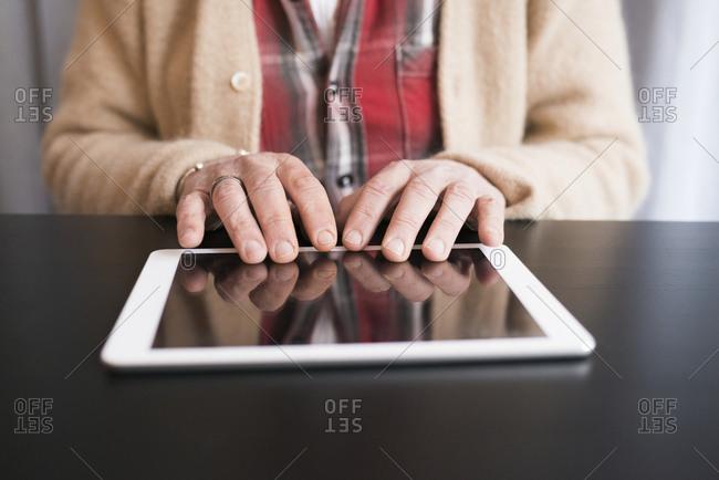 Hands on digital tablet