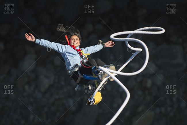 3d56d8a32a8b bungee jumping stock photos - OFFSET