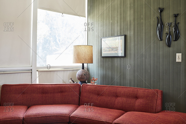 Ontario, California, USA   June 23, 2017: Couch In Corner Of Room In  Mid Century Modern Home ...