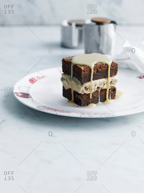 Plate of brownie with frosting