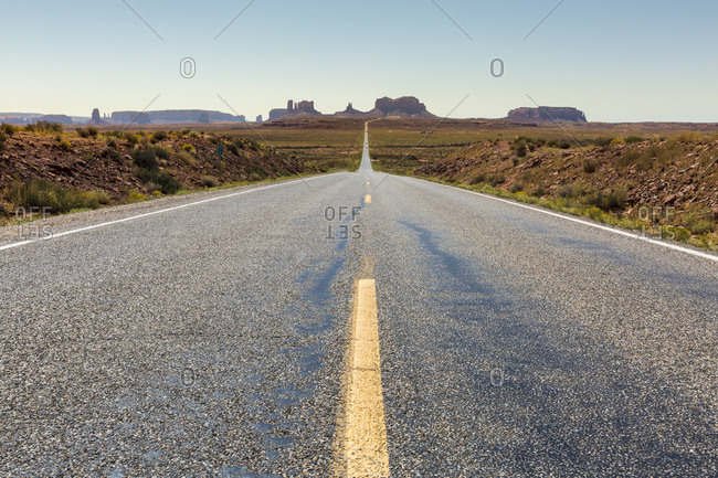 The road to Monument Valley, Navajo Tribal Park, Arizona, United States of America, North America