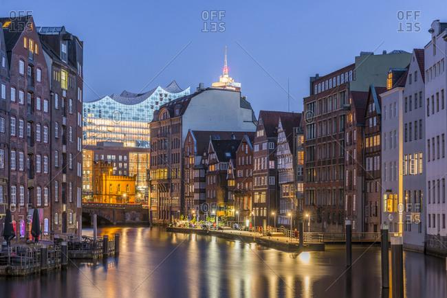 Germany- Hamburg- Nikolaifleet- Elbphilharmonie in background