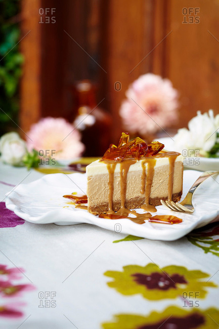 Cheesecake with salted caramel syrup
