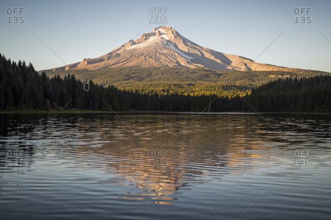 Views of Mount hood at Trillium Lake in Oregon