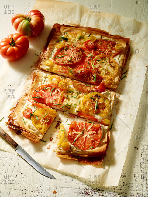 Pizza with heirloom tomatoes