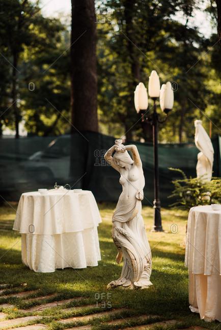 Partially nude female statue wedding decor
