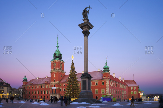 Poland- Warsaw- Royal Castle and King Sigismund III Vasa Column at twilight