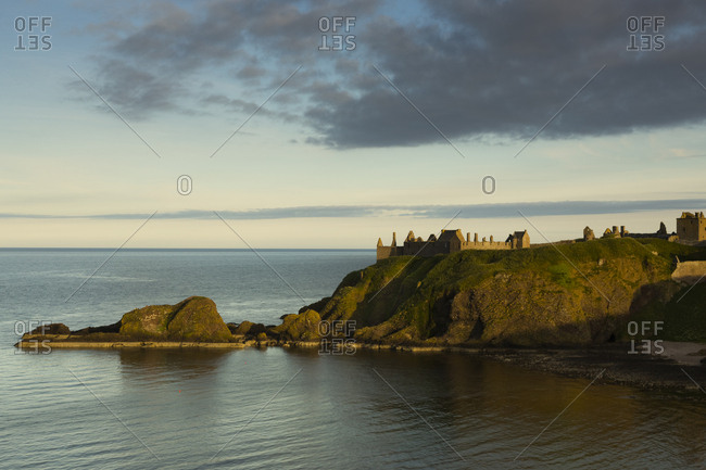 UK- Scotland- Stonehaven- Dunnottar Castle