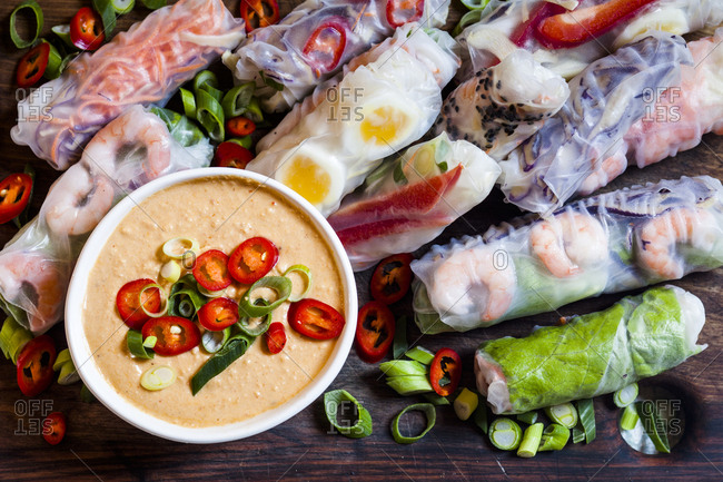 Vietnamese summer rolls with prawns and spicy peanut dip