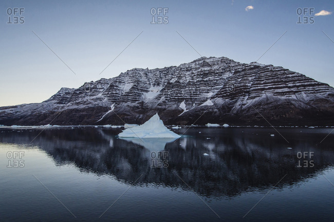 Greenland. Scoresby Sund. Gasefjord (Gooseford) icebergs and calm water