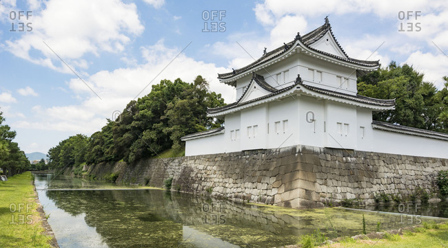 Wall and moat of the Nijo castle, Kyoto
