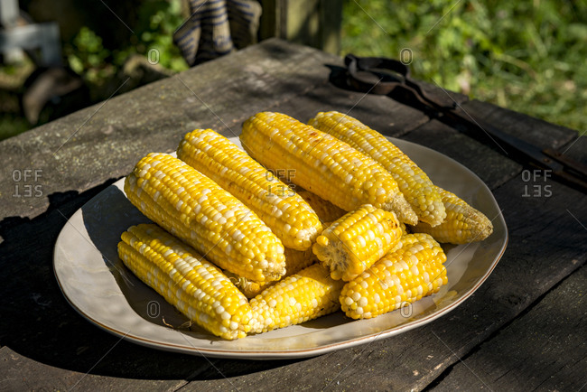 Tray with sweet corn on the cob